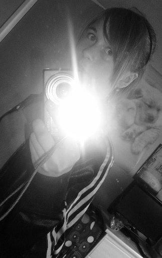 Laetitia  ♥ ; )