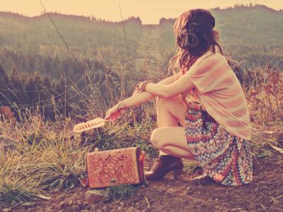 La pire peine est d'aimer un coeur qui lui aime ailleurs.