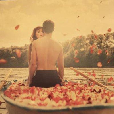 Ne sois pas amoureuse du plus belle personne du monde, mais soit amoureuse de la personne qui rend ton monde plus beau.