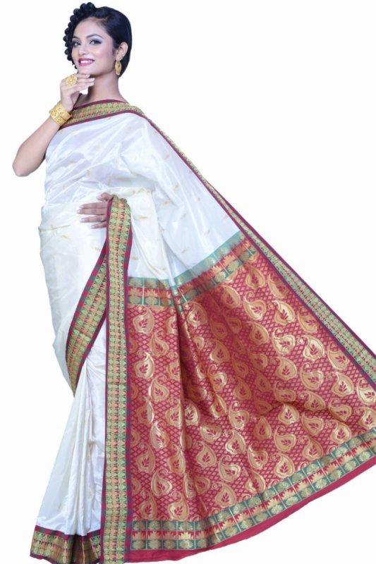sari blanc et rouge magnifique