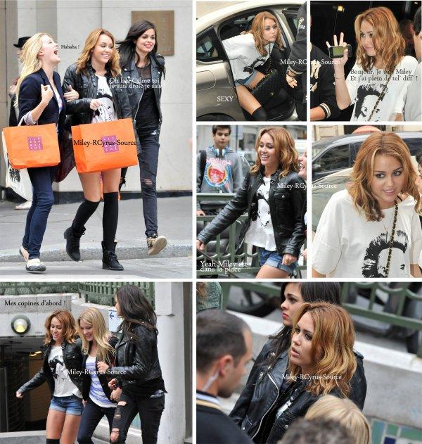 . 06.09.10: Le cast de LOL a Paris (3)  Pour le tournage de LOL Miley et ses co-stars se sont rendus à diffèrents endroits Paris pour la suite du film (1 , 2 & 3). Tout ce que je peux dire c'est qu'ils ont l'air de bien s'éclater pour le tournage de ce film. ça donne encore plus envie d'allé le voir. Mais Hélas Miley à Paris c'est bientot fini, alors pour celles qui le peuvent, profitez de ce dernier jour de tournage pour allé la voir. Après ça sera trop tard !   .