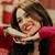 •>> Stills HM4 4x08: Hannah's Gonna Get This  Hannah a écrit une nouvelle chanson, mais ni ses producteurs alors elle fait ecouter le morceau à un petit groupe de fan, qui n'aiment pas non plus. Miley force Lily a se deguiser en petite fille pour convaincre les autres que cette chanson est un tube. Mais rien y fait. Miley décide de tout de même continuer la chanson qui devient un duo avec Iyaz.  . 25.09.10: Miley se rendant dans sa nouvelle maison  Ce ne sont que des photos de fans, mais il semblerait que Miley et Liam se soit rendu dans la nouvelle maison de la Cyrus. Une maison pour elle toute seule à même pas 18 ans ... c'est pas un peu ... TROP ? On peut s'attendre à voir Liam skouater assez souvent x) [Photo]  .