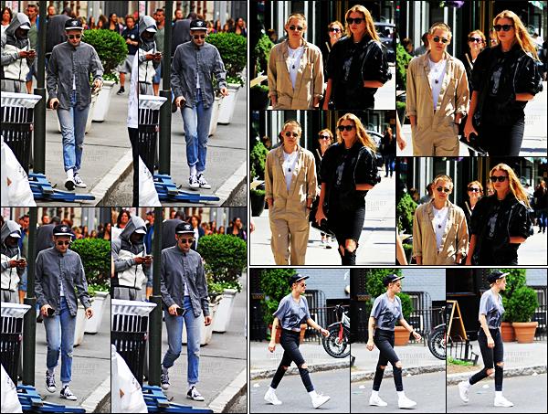 . 02.09.17 -Kristen Stewart, toujours en compagnie de la belleStella Maxwell a été vue quittant son hôtel deNew York. La veuille notre actrice était de nouveau avec Stella, dans New York ! Puis, le 31.08 c'est également ensemble qu'elles étaient dans NYC ! .