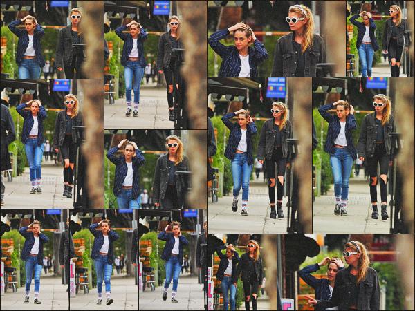 . 19.01.18 - Kristen Stewart  a été aperçue en compagnie de Stella Maxwellen balade dans les rues de'▬' Los Angeles. Notre petit couple est de nouveau sorti pour notre plaisir, elles ont donc été repérées dans LA. Kristen n'est donc pas au festival Sundance .