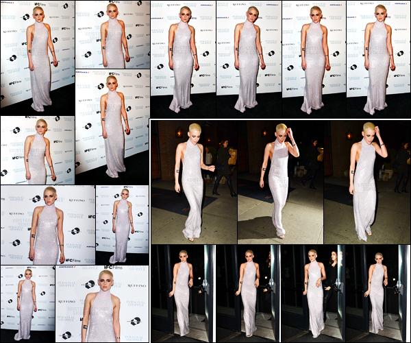 . 09.03.17 - Kristen Stewart, sublime, s'est rendue à la première de «Personal Shopper » ayant lieu dansNew York! C'est sublime dans sa robe longue que Kristen Stewart a été vue lors de la première de ce film, un top ! Elle quittait ensuite l'événement.. .