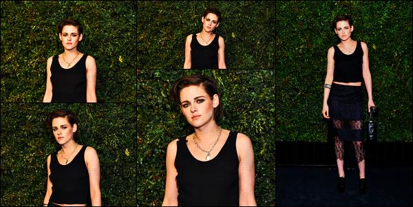. 25.02.17 - Kristen Stewarts'est rendue au dîner «Charles Finch and Chanel Pre-Oscar» dans la ville deNew York ! Malheureusement très peu de photos lors de ce dîner mais Kristen Stewart était comme à son habitude sublime, j'aime beaucoup la tenue. .