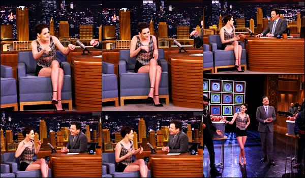 . 02.02.17 - Kristen Stewart était présente sur le plateau de «The Tonight Show» avec Jimmy Fallon'▬' New York ! La sublime actrice était l'invité de l'émission et c'est plus belle que jamais qu'elle a été vue, j'aime énormément sa tenue. Un top • Avis ? .