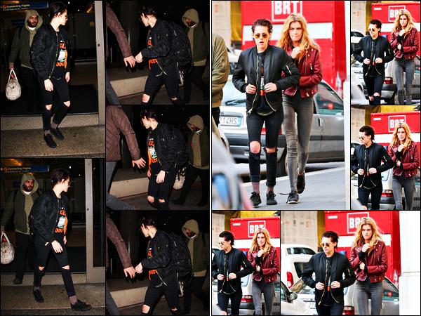 . 17.01.17 - Kristen Stewart a été photographiée débarquant à l'aéroport international «LAX»'▬' situé à Los Angeles ! Un peu plus tôt elle a été vue prenant l'avion à Milan, et c'est donc de retour à Los Angeles qu'elle à atterrie. Top le jean troué, des avis ? .