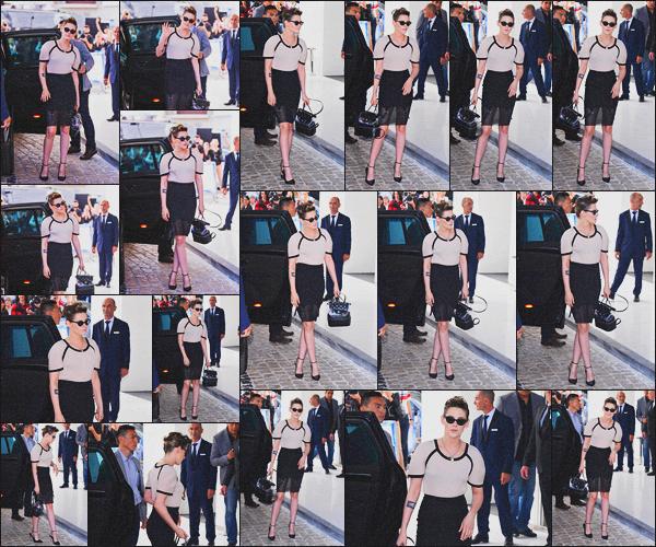 . 07.05.18 - Kristen Stewarta été vue arrivant à l'hôtel '« Martinez »' se rendant au dîner du Jury dans''▬'' Cannes, FR Kristen Stewart s'est rendue au dîner des Jury du 71e Festival de Cannes qui commence officiellement demain ! Un gros top pour miss K. ! .