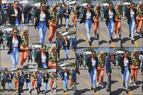 . 11.05.18 - Kristen Stewart a été photographiée sortant du Festival'afin de se promenait sur la Croisette''▬'' à Cannes Pour ce quatrième jour de Festival, Kristen Stewart a profitait de ce magnifique temps pour faire une balade, dans la ville de Cannes, top ! .