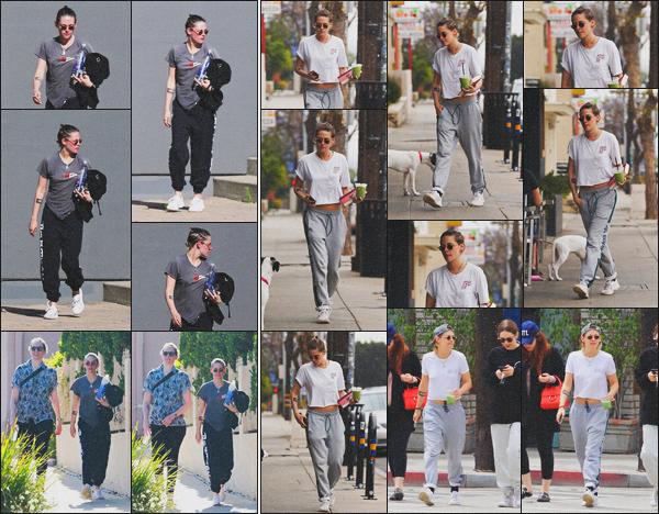 . 05.06.18 - Kristen Stewarten compagnie d'une amie'a été aperçue en balade dans les rues de Los Feliz''▬'' en Calif ! J'aime beaucoup la tenue de cette sortie, je trouve Kristen toute mignonne.. Le 04/06 toujours avec un ami elle quittant un spa dans L.A. .