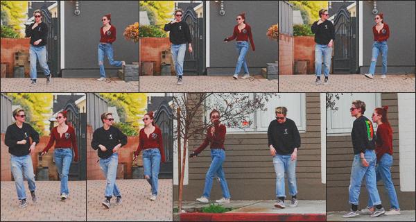 . 10.02.19 - Kristen Stewart a été aperçue avec Sara Dinkin quittant un spa situé dans'' ▬ ''Los Angeles, en Californie ! Comme plusieurs jours par semaine, Kris s'est rendue dans un spa de Los Angeles et a été aperçue à sa sortie, niveau tenue un petit flop. .