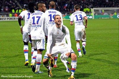 Olympique Lyonnais  2 - 1  Evian Thonon Gaillard FC