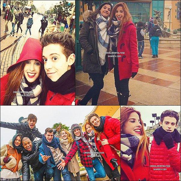 ' 17/02/15 : Le cast de Violetta (sauf Alba Rico) se sont rendus à « DisneyLand » dans la ville de Paris, - France. Le cast a profité de leur journée de repos pour ce rendre au parc d'atraction. Cande et Rugg étaient à part des autres, pour rester en ammoureux. '