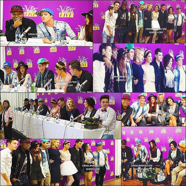' 21/01/15 : Candelaria Molfese était présente avec le cast à une conférence de presse à Lisbonne, - Portugal. Cette conférence de presse était dans le cadre de ViolettaLive, la troupe entière y était présente. Des fans très chanceux ont pu les rencontrer. '