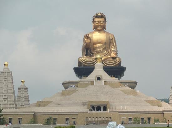 LE BOUDDHISME , EST-CE UNE RELIGION
