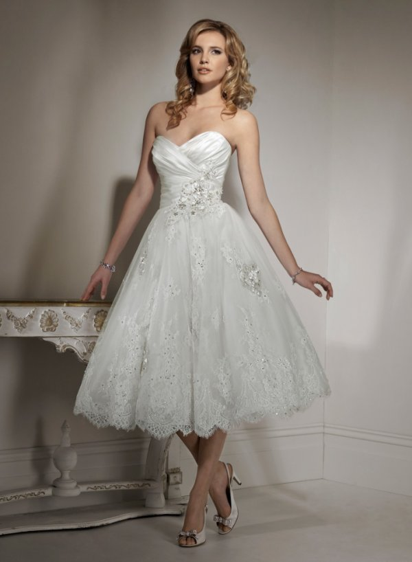 Organza A line Sweetheart Tea length Wedding Dress