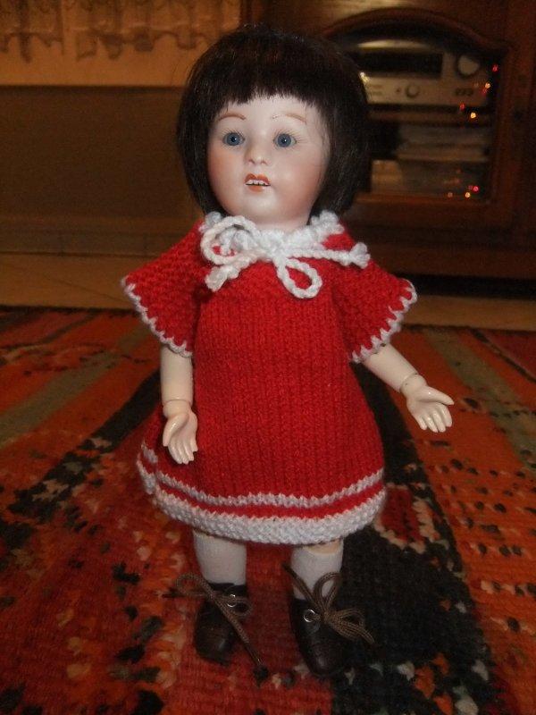 La robe en laine rouge de Loulotte