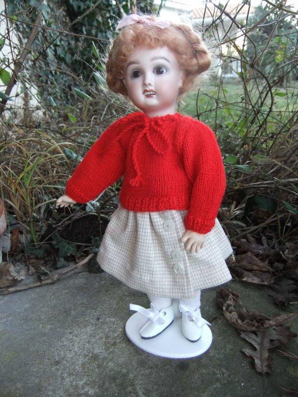 Bleuette est contente d'avoir un pull!