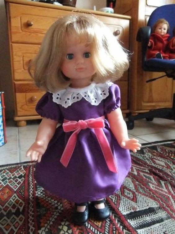 Décembre 1986: robe en taffetat violet!