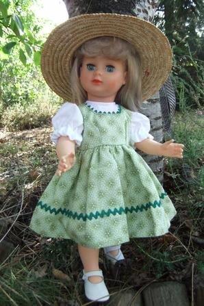 Marie-Françoise avec la robe de juin 1956!