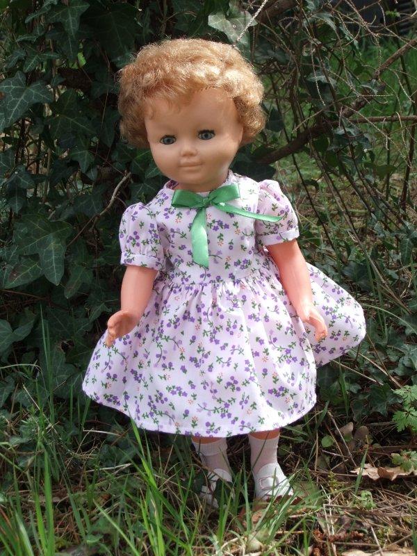 Ma jolie Marie-Françoise avec la robe de mars 1951!