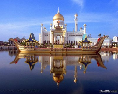 """BEAUTIFUL MOSQUE IN BRUNEI"""