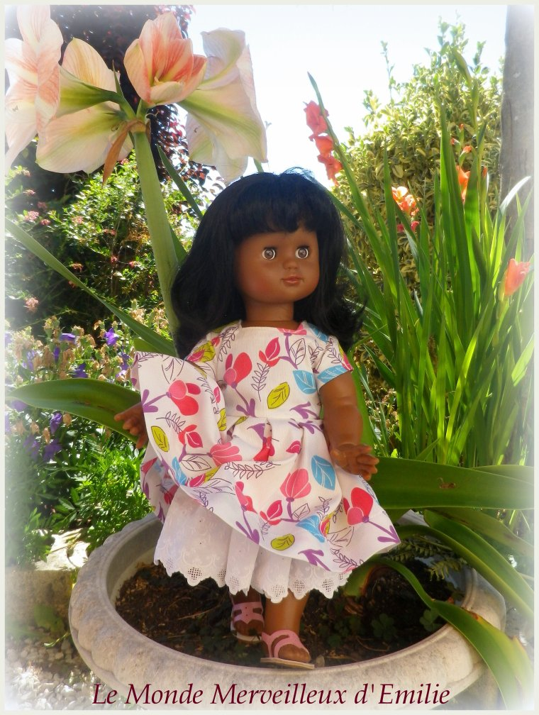 Emilie-Taïna en robe M&T de juin 2016