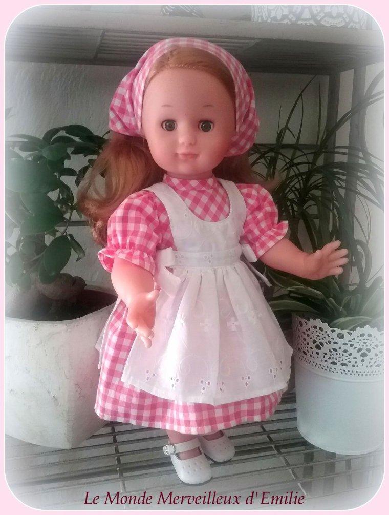 Emilie-Ninon en petite fermière !