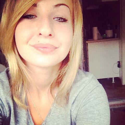 • Souris pour moi , je sourirais pour toi . (♥) ✡