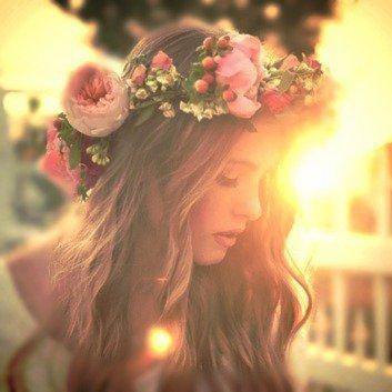 Une beauté sans pareil, tout le monde veut s'en emparer, sans savoir qu'elle les mène en bâteau.