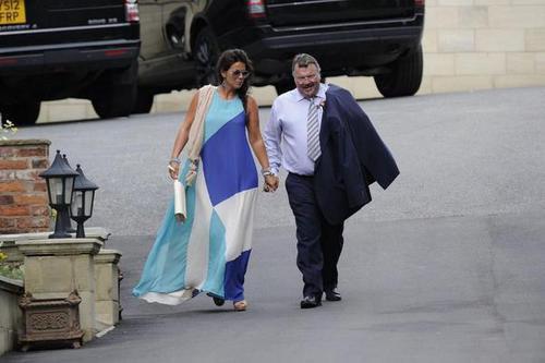 Anne et le beau père d'Harry au mariage
