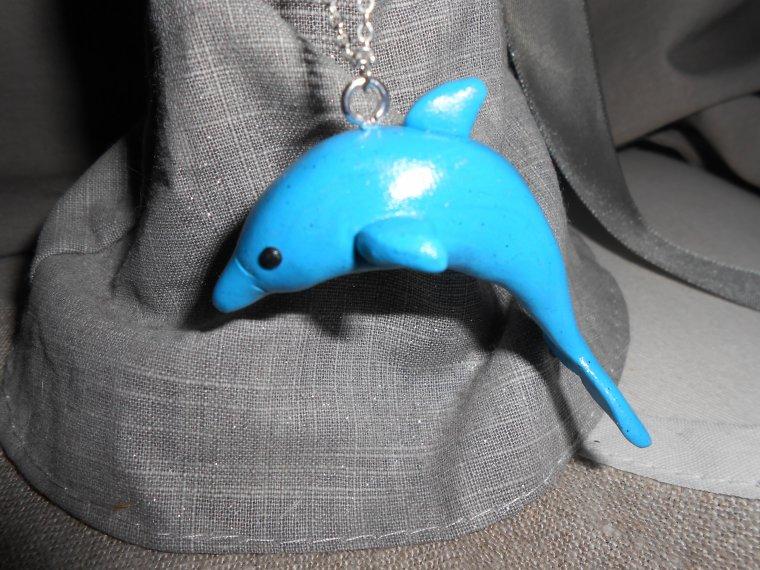 Un sautoir dauphin