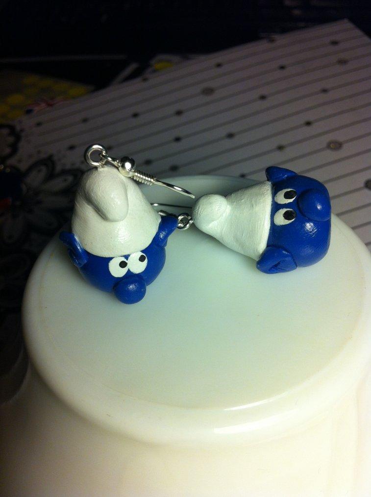 Des petites boucles d'oreilles Schtroumpf !