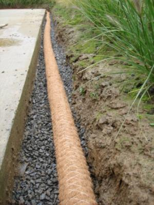 Pose du drain coco tout autour de la terrasse notre for Drainage autour d une terrasse
