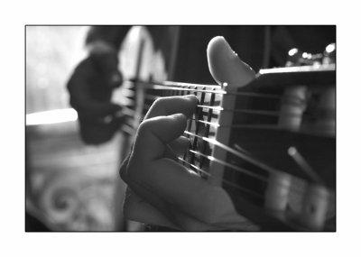 """""""La musique donne une âme à nos coeurs et des ailes à la pensée."""""""