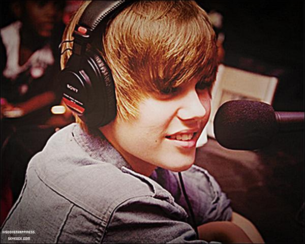 .Current Celebrity Crush #1 ..Le but du jeu est Un challenge avec des célébrités, awesome right?, une fois par semaine pendant 15 weeks, il ne faut pas prendre la même vedette plus d'une fois mais il doit bien y avoir une exception pour Bieber, non...? :)