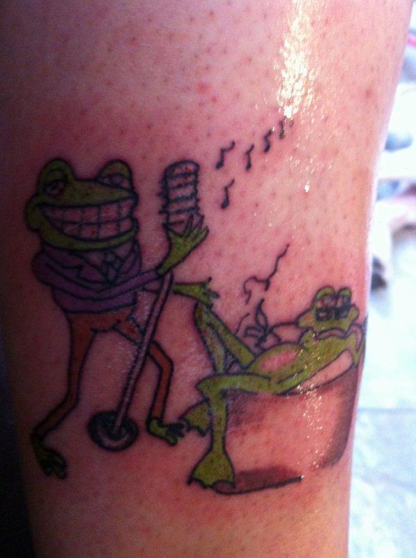 deuxieme tatoo mes guenouilles