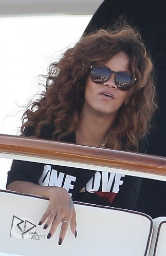 22 Août 2011 Rihanna arrive à Saint-Tropez en France