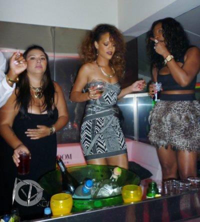22 Août 2011 Rihanna au VIP Room à Saint-Tropez en France