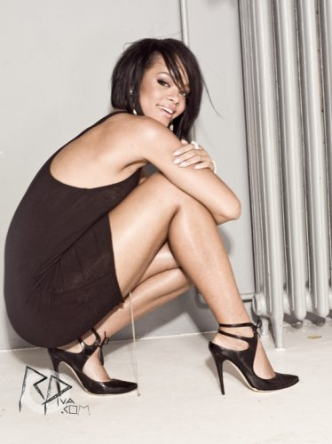 """_Photoshoots De Rihanna Pour Le Magazine """"Cosmopolitain"""".__"""