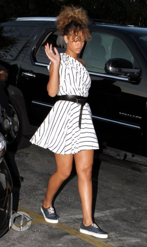 02 Septembre 2011 Rihanna arrive à un studio à Los Angeles