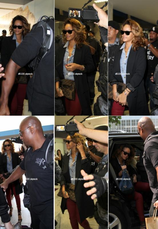 21/09/11  Rihanna à l'aéroport de Rio de Janeiro