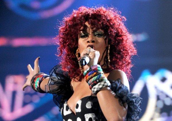 25/10/11                     Rihanna nominée aux « MP3 Music Awards 2011 »