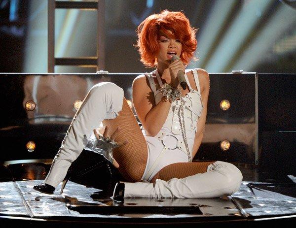25/10/11  Rihanna nominée aux « Premios 40 Principales 2011 »