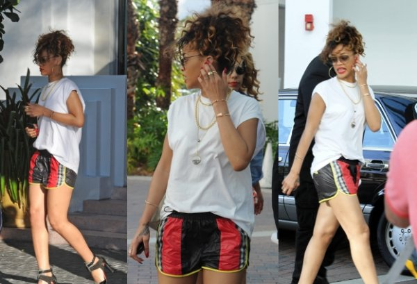 31/12/11                       Rihanna quitte son hôtel à Miami