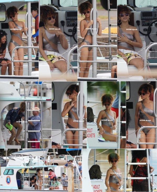 Le 17/01/12                  Rihanna sur un bateau à Hawaï