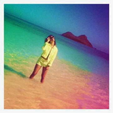 Le 18/01/12                Rihanna poste de nouvelles photos sur son Twitter