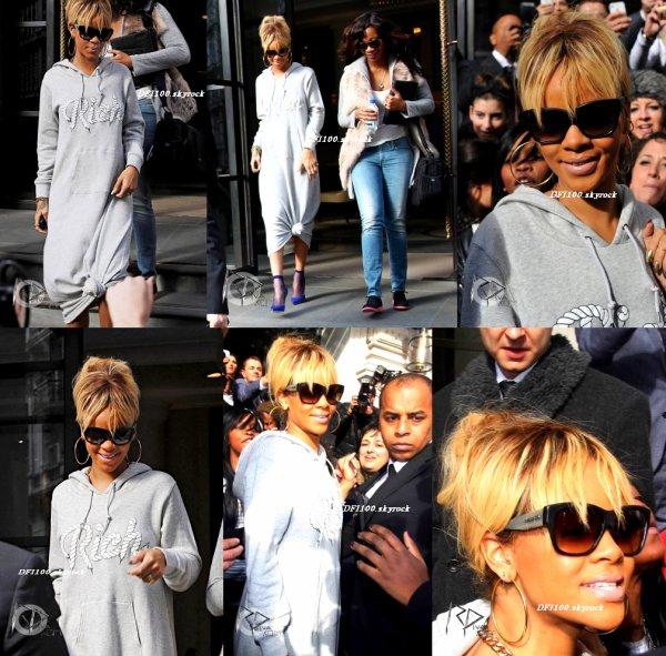 21/02/12                         Rihanna quitte son hôtel à Londres