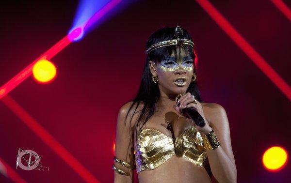 """Rihanna interprète """"Where have you been"""" au """"Robin Hood"""""""